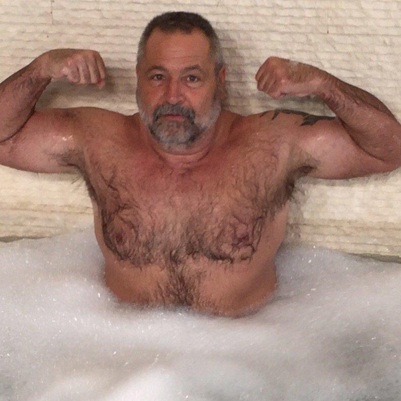 My NY bear bud from  http:// GLOBALFIGHT.com  &nbsp;   #musclebear #bear #daddy #beards #hairy #chest #beard #biceps #flexing #pool #swimming #nyc #man<br>http://pic.twitter.com/lekYM2ySON