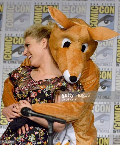 We loved it! Travis just showed up in a kangaroo costume and crashed the #Vikings #SDCC panel! #TravisFimmel<br>http://pic.twitter.com/QFJa1I6qCM