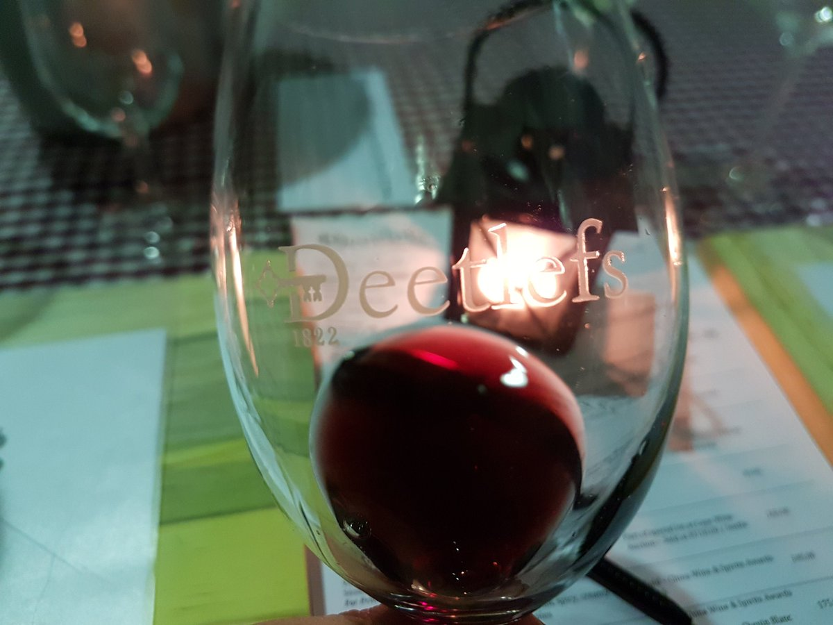 Some #wine inspired mood lighting... it glows like a #pinotage I think  #SoetesAndSoup2017 #DeetlefsMoment  #DeetlefsWine<br>http://pic.twitter.com/hJK8QUFsLQ