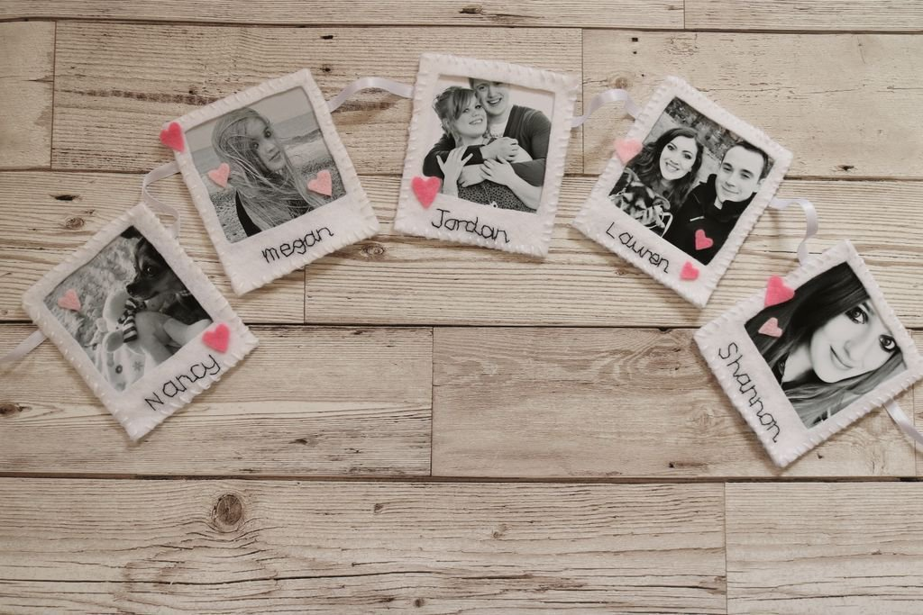 I have been working on something new! Polaroid bunting now available!  http:// buff.ly/2uhesda  &nbsp;   #handmadehour #crafthour #crafturday #etsy <br>http://pic.twitter.com/df39bhSOhw