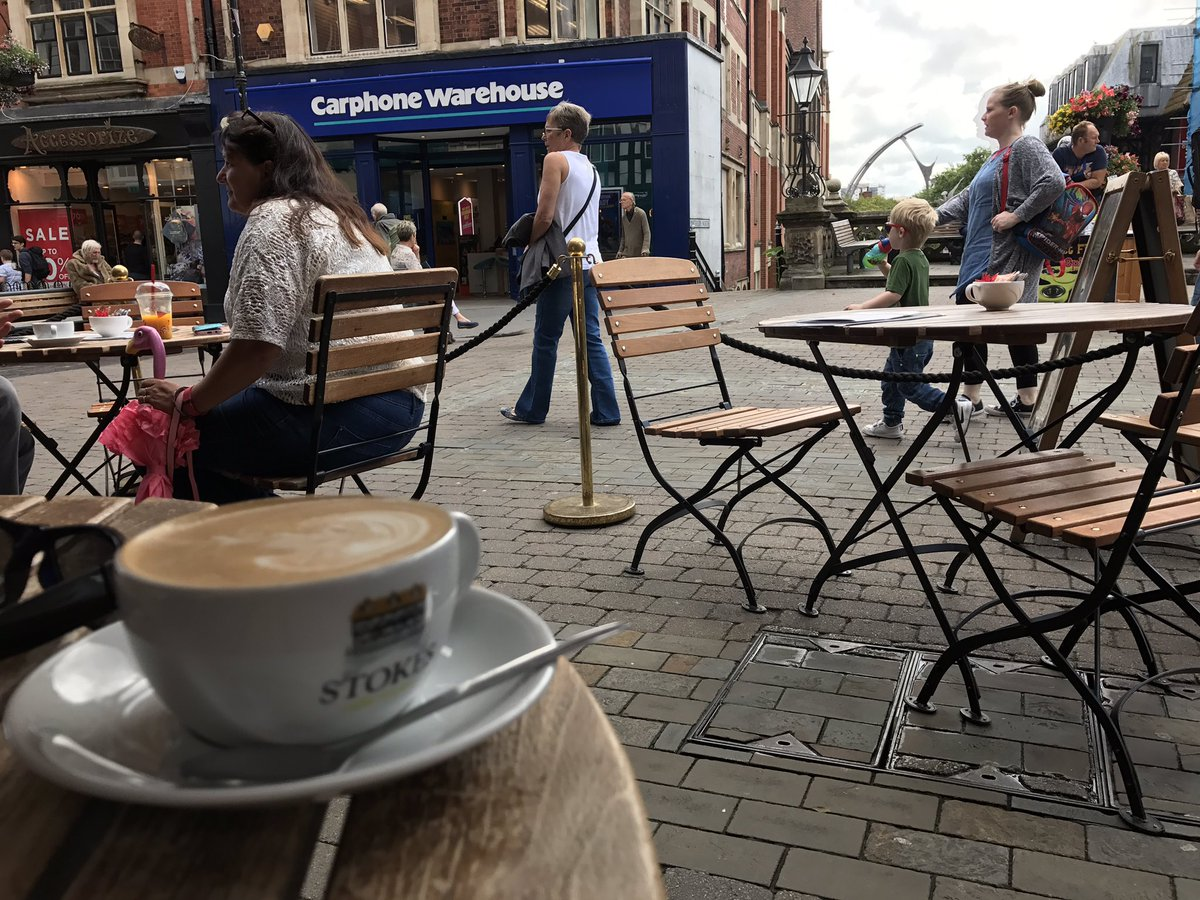Weekend off  Time for @StokesCoffee watching the world go by in Lincoln on High Bridge the oldest built on bridge in the U.K. #History <br>http://pic.twitter.com/d59uCKTrCl