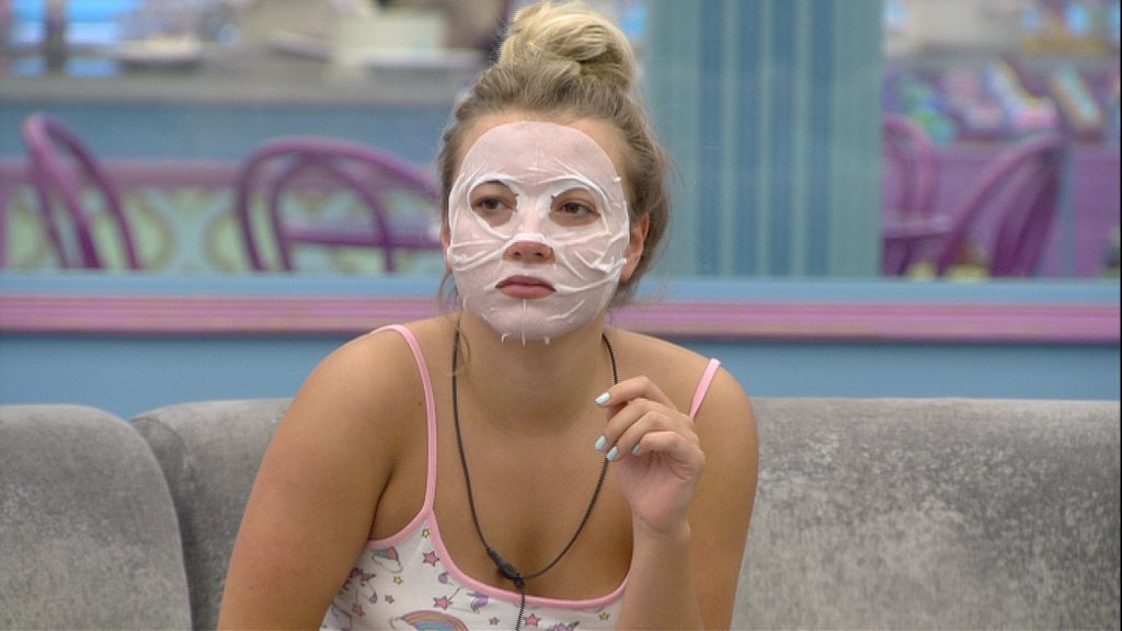 11.04am: Charlotte lookin' all 👻👻👻 #BBUK #BBUKLive https://t.co/85UOXQZGWz