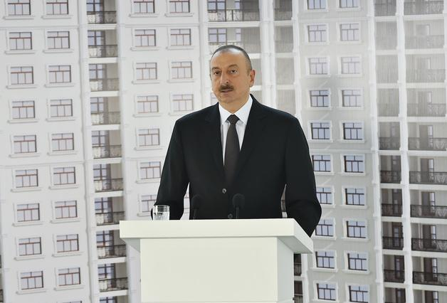 Azerbaijan Pres Aliyev transparently tries to buy off journalists with free apartments rather than a free media. https://t.co/MYgA9ThyLn