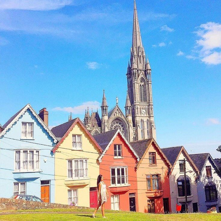 Who haven&#39;t seen this colorful house yet?  .  by IG:travelistasecrets #cobh #colorful #ireland #irish_daily #saturday #500pxrtg<br>http://pic.twitter.com/6SRr6zVRbC