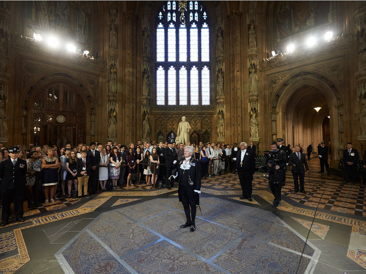 Demonstrators in #wheelchairs blockade House of Commons in protest at #disability cuts  http://www. independent.co.uk/news/uk/politi cs/demonstrators-house-commons-pmqs-disability-cuts-protest-wheelchairs-parliament-entrance-block-a7848876.html &nbsp; … <br>http://pic.twitter.com/Kxq2R2gldn
