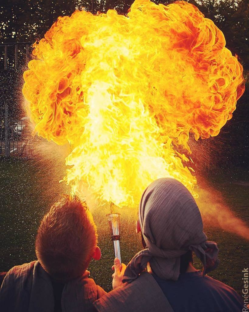 Firebreathing together! join us in our world record attempt, info:  http://www. fierce360.nl  &nbsp;   #thedailyfireball #fir…  http:// ift.tt/2vL5zXi  &nbsp;  <br>http://pic.twitter.com/B95Gb8ID64