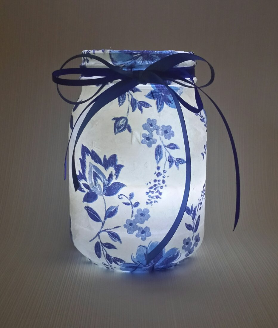 My blue and white mason jars look beautiful lit up too, Don&#39;t you think ? #Crafturday #Craftbuzz #HandmadeHour #EtsySeller #crafthour #light<br>http://pic.twitter.com/w8g25vB66T