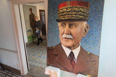 La tombe du maréchal Pétain profanée >> https://t.co/Q3DuIAQEpv