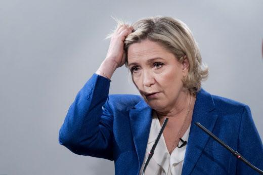 VIDÉO - Front National : Cogolin avait voté pour Marine Le Pen, 2 mois après ses partisans doutent https://t.co/BMqy0k5RbS