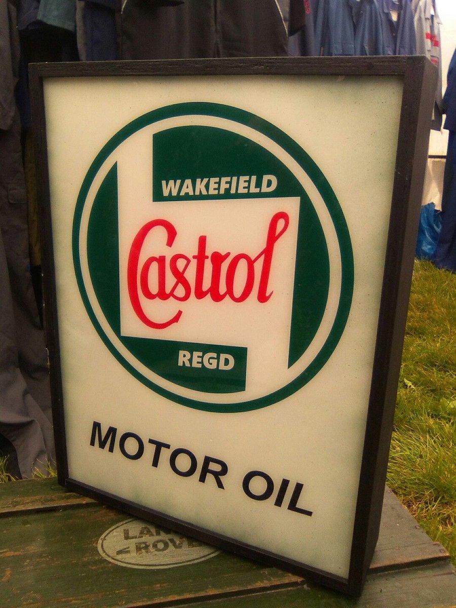 Vintage look Castrol illuminated sign For sale on ebay here -  http:// ebay.to/2ulHbw9  &nbsp;   #vintage #castrol #mantiques #mancave <br>http://pic.twitter.com/qyviihnwYV