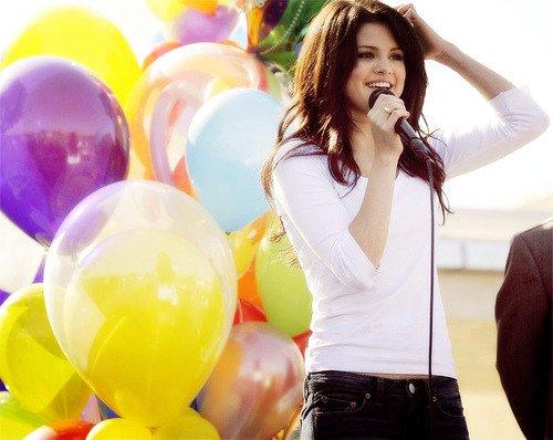 Happy 25th Birthday to Selena Gomez!