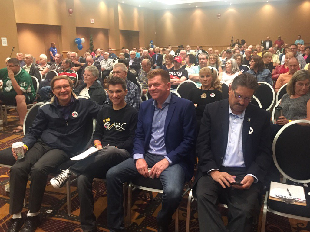 Wildrose Leader Brian Jean listening to the debate. #ableg <br>http://pic.twitter.com/E1cEq2oVFU