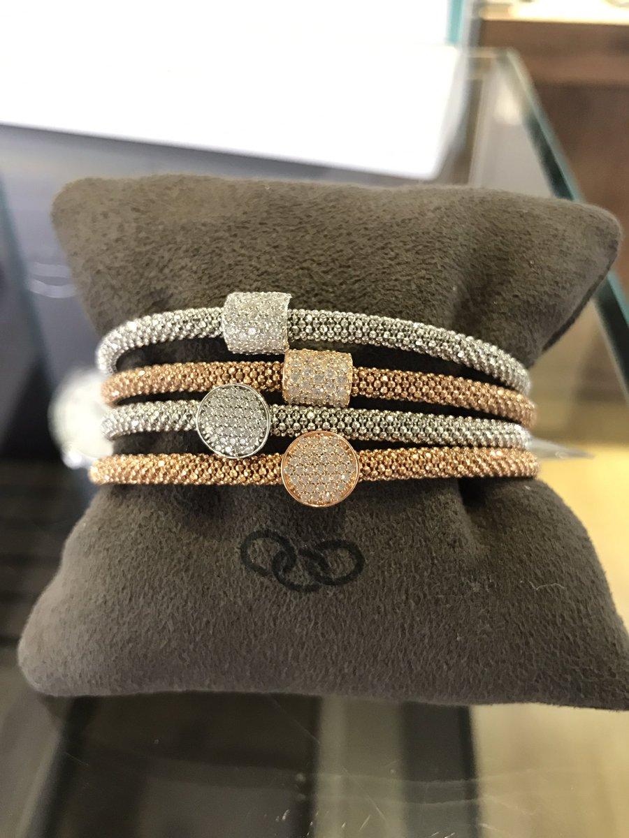 Show stoppers from Links Of London #linksoflondon #bracelet #sparkle #pretty #beautiful #treatyourself #bse #burystedmunds #jewellery #wow<br>http://pic.twitter.com/3NKii6jQK5