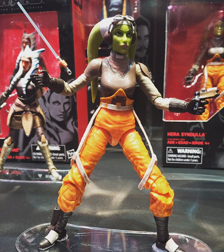 Look what @MediocreJedi found at @Hasbro booth @Comic_Con! #Hera @starwars #starwarsRebels! Xo https://t.co/xekVwN84uD