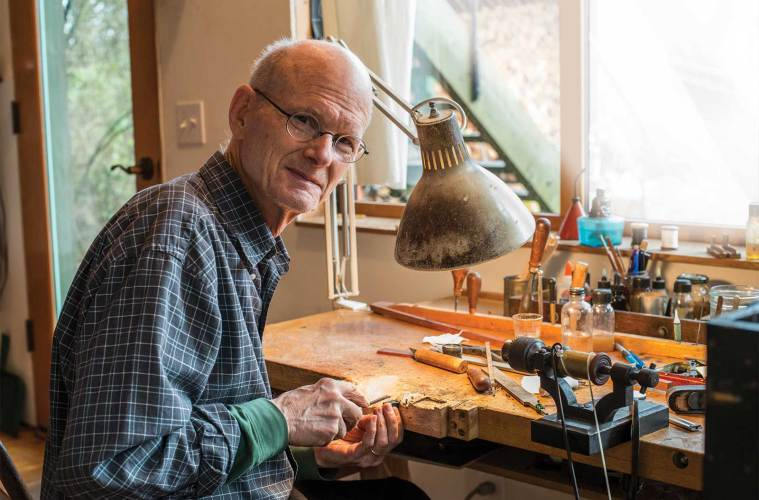 #Violin &amp; #Bow Makers Discuss How to Balance Tradition, Creativity &amp; Experimentation  http:// bit.ly/2u86VeK  &nbsp;   #violinmaker #luthier #viola<br>http://pic.twitter.com/Mr0icpL3Wi