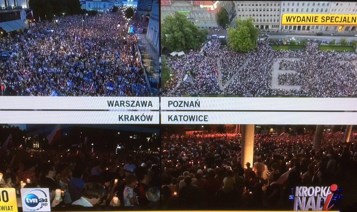 Das ist so stark! Die Menschen in Polen lassen sich ihre hart erkämpfte Demokratie nicht nehmen. Demos im ganzen Land! #KOD