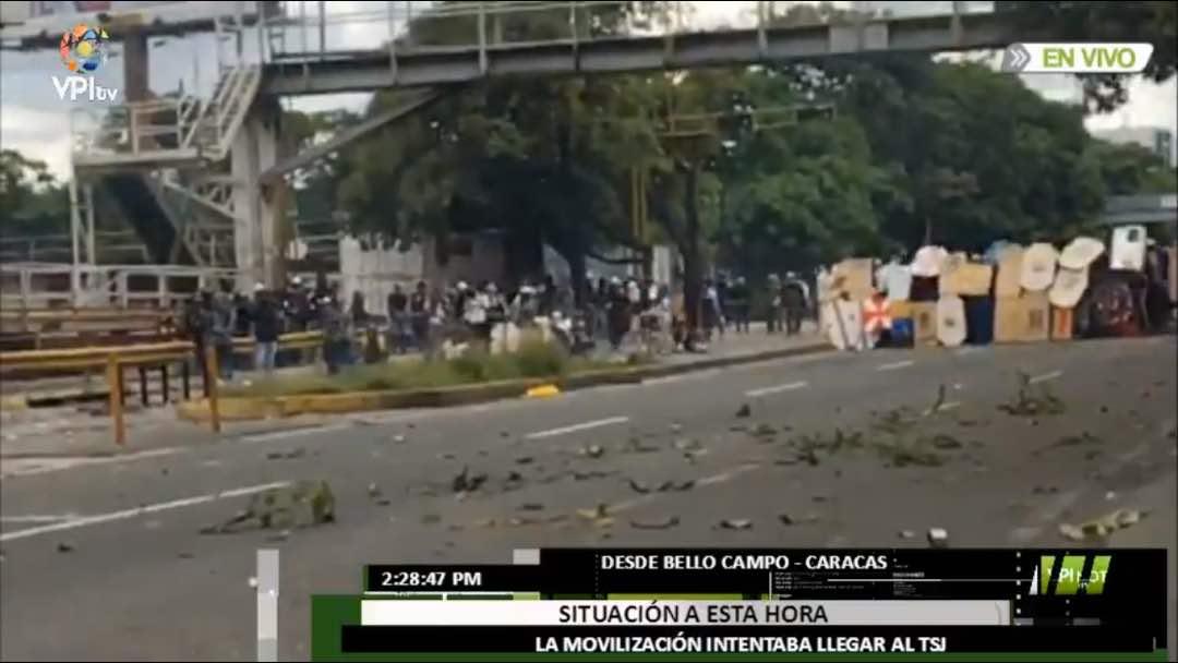#22Jul Escuderos de la resistencia se preparan para avanzar ante la represión #Caracas 2:29pm - @VPITV  https://t.co/Ava8XtvSKp