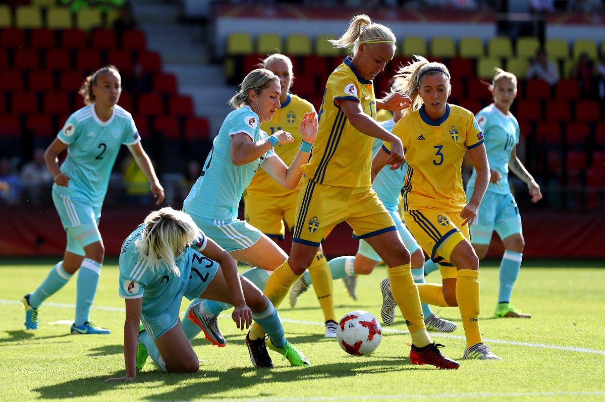 Смотреть фото женского футбола