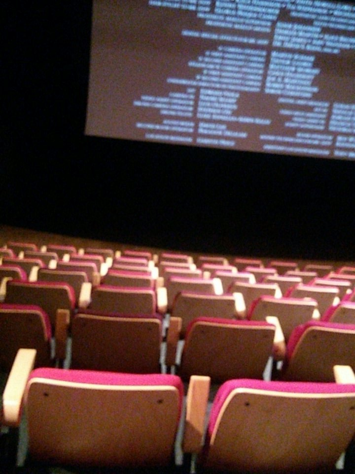 When you&#39;re the only one who waits for the scene after the credits....  #PiratesoftheCaribbean #Potc #JohnnyDepp #OrlandoBloom<br>http://pic.twitter.com/O5l3xaj7Ks