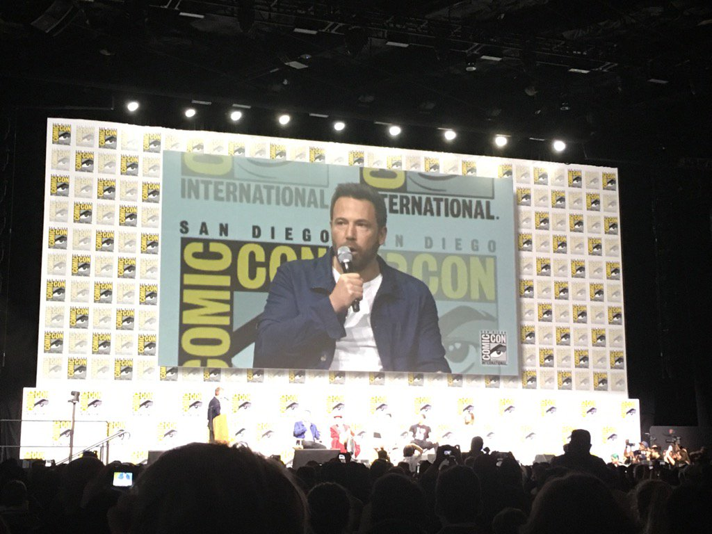 Ben Affleck is allaying Bat fears on The Batman. Says he's all in. #JusticeLeague #SDCC https://t.co/gj3DhIvd4i