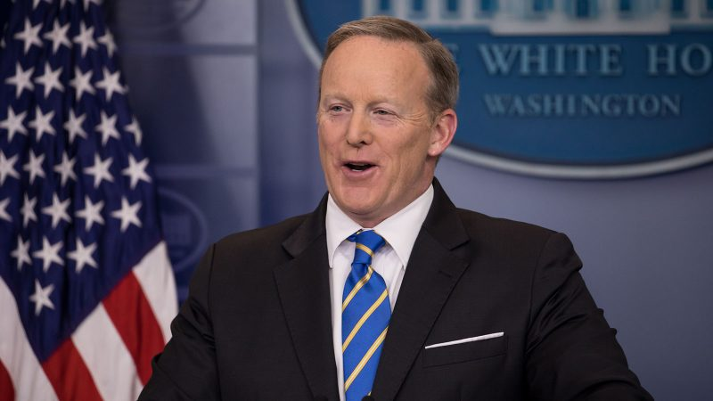 7 signs Sean Spicer missed that he was on the way out