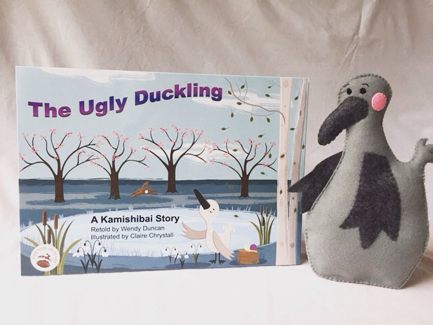 Trying to do some shots for the website #fail the fab duckling is from @Dawnhansford #kamishibai #lovereading<br>http://pic.twitter.com/o5zQrbiX1Q