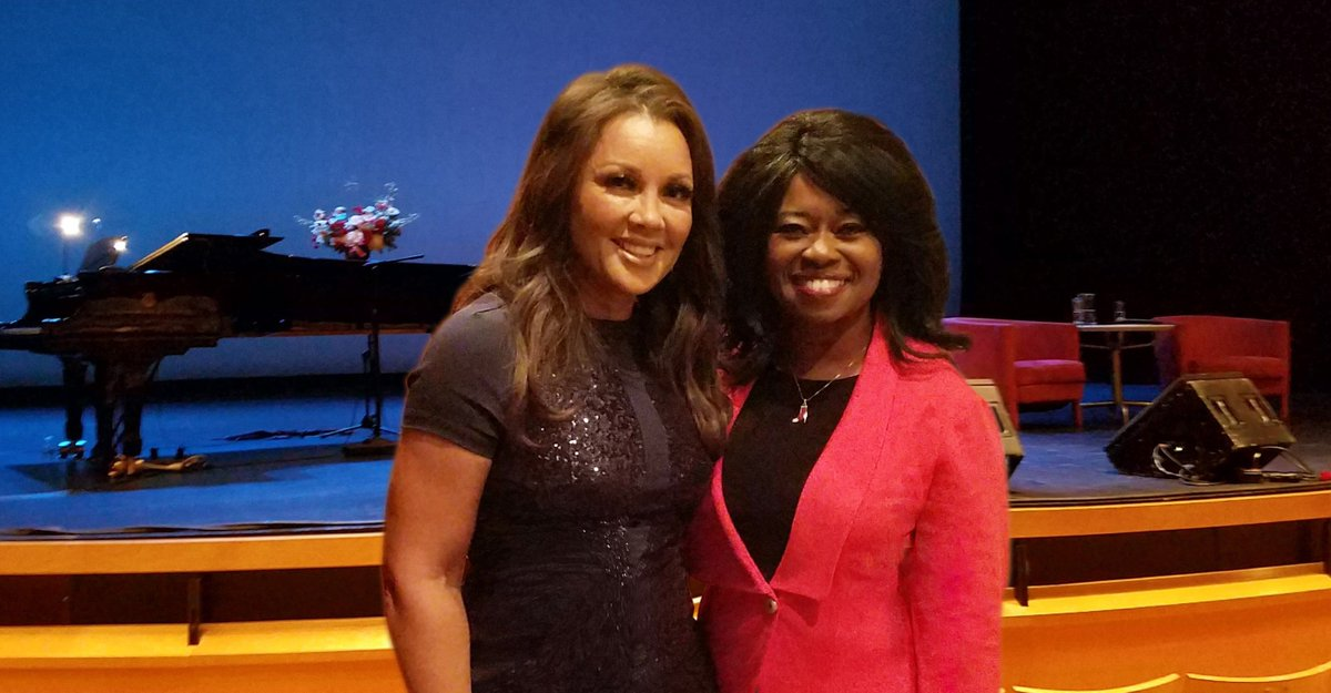 Congrats to the beautiful and talented #Vanessawilliams on #daytimedivas on #VH1. What a great talent on #tv, #film and #stage.<br>http://pic.twitter.com/RsqFKQAtBu