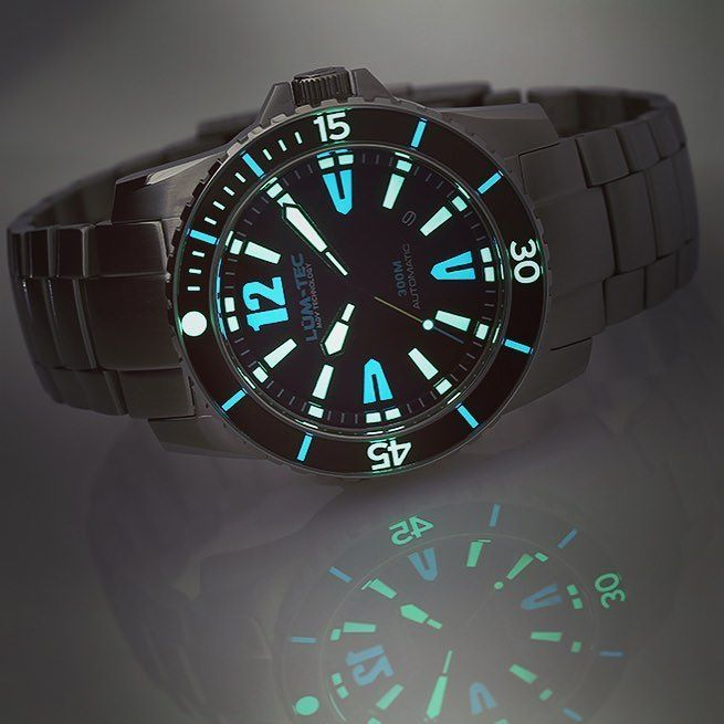 Reflection and Lume all in one shot with the Lum-Tec 300M-4! Enjoy the weekend watchfam! . #yyc #yvr #yyz #yul #yy…  http:// ift.tt/2vLRdWK  &nbsp;  <br>http://pic.twitter.com/rzxpzC5GQh