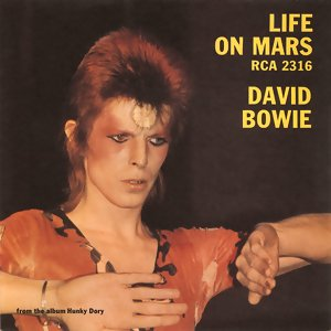 "#DavidBowie released his single ""Life on Mars"" 44 years ago today. <br>http://pic.twitter.com/UQX2vsYR0o"