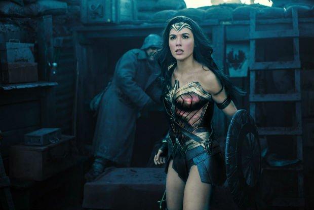Mulher-Maravilha rouba a cena em trailer de 'Liga da Justiça'; assista. https://t.co/1KexRWCCnZ