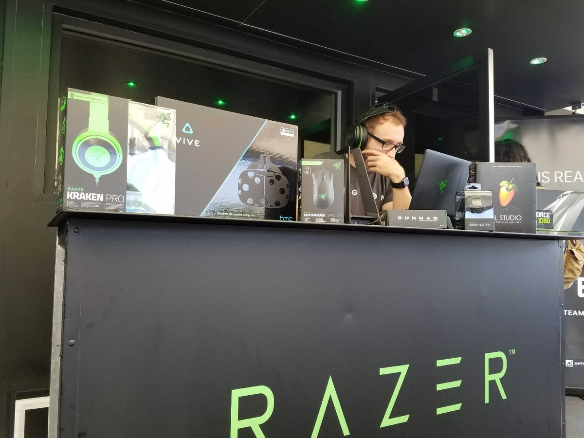 Make sure you swing by the @Razer booth at Interactive Park during #SDCC17 and enter to win a @htcvive + Deluxe Audio Strap! #comiccon2017
