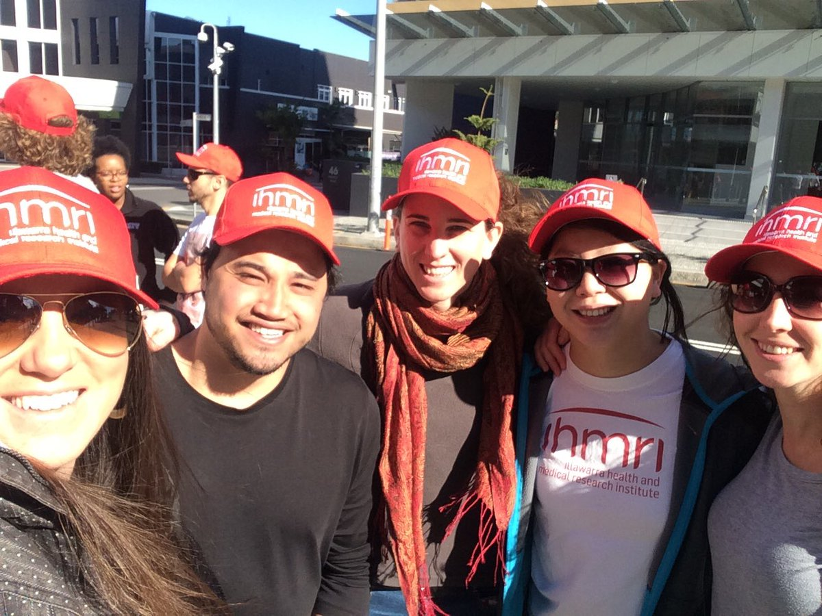 @ihmri #researchers up bright &amp; early to raise funds for medical research @NRL_Dragons game. If you see us donate for a fantastic cause!<br>http://pic.twitter.com/PZGctLnc39