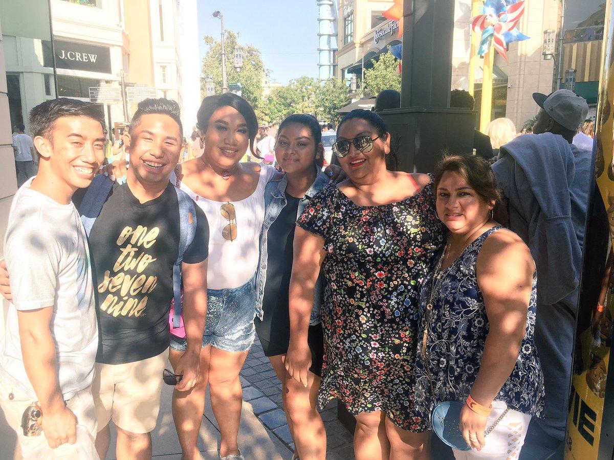 Always happy to bump into Starrr family!! @patrickstarrr @heyitspeterrr_  &amp; Paul!! #teamstarrr #teamgomez #familytime #grovela<br>http://pic.twitter.com/wXiDFrm7Fq