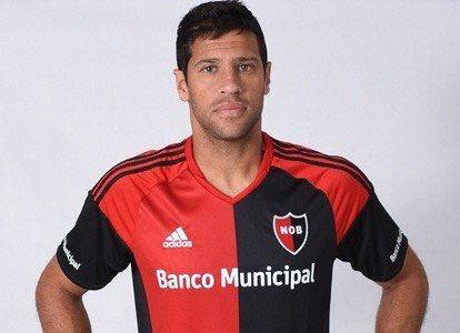 Zagueiro argentino Sebastián Domínguez (36 anos), que defendeu o Corinthians quando tinha 24 de idade, deixa o @CANOBoficial