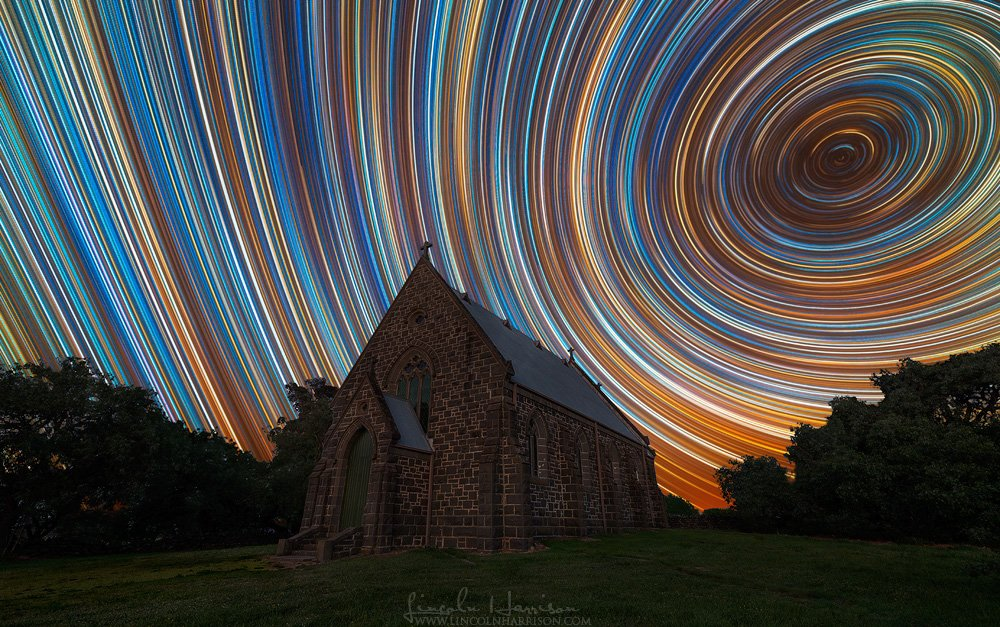 Star trails by Lincoln Harrison #ASTRONOMY <br>http://pic.twitter.com/AgEQDYA7hc