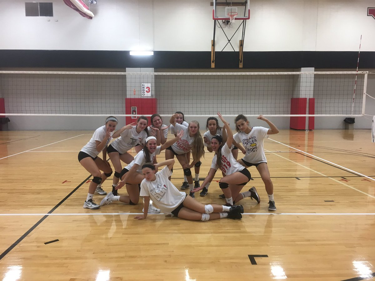 Leaving the gym 14 hours later.... Very exciting and well played win over NDCL 2 to end the day. #gains #YSUVBTC2<br>http://pic.twitter.com/V1JHC98XDT