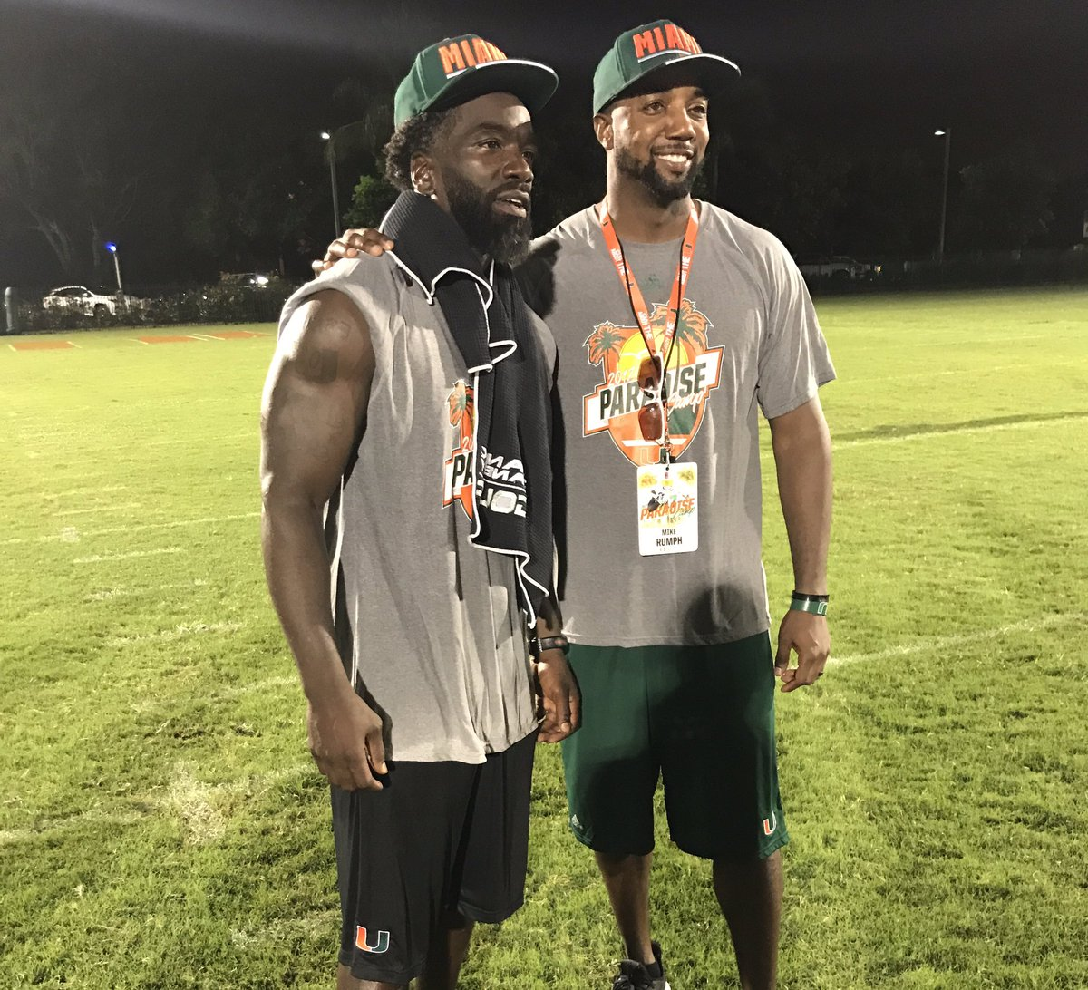 Ed Reed with @CoachRumph16. Two of the finest from DBU. https://t.co/hby3j8uRjf