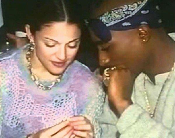 Madonna consegue que justiça proiba leilão de carta de Tupac Shakur explicando o fim de seu relacionamento. https://t.co/o5Rbfuj670