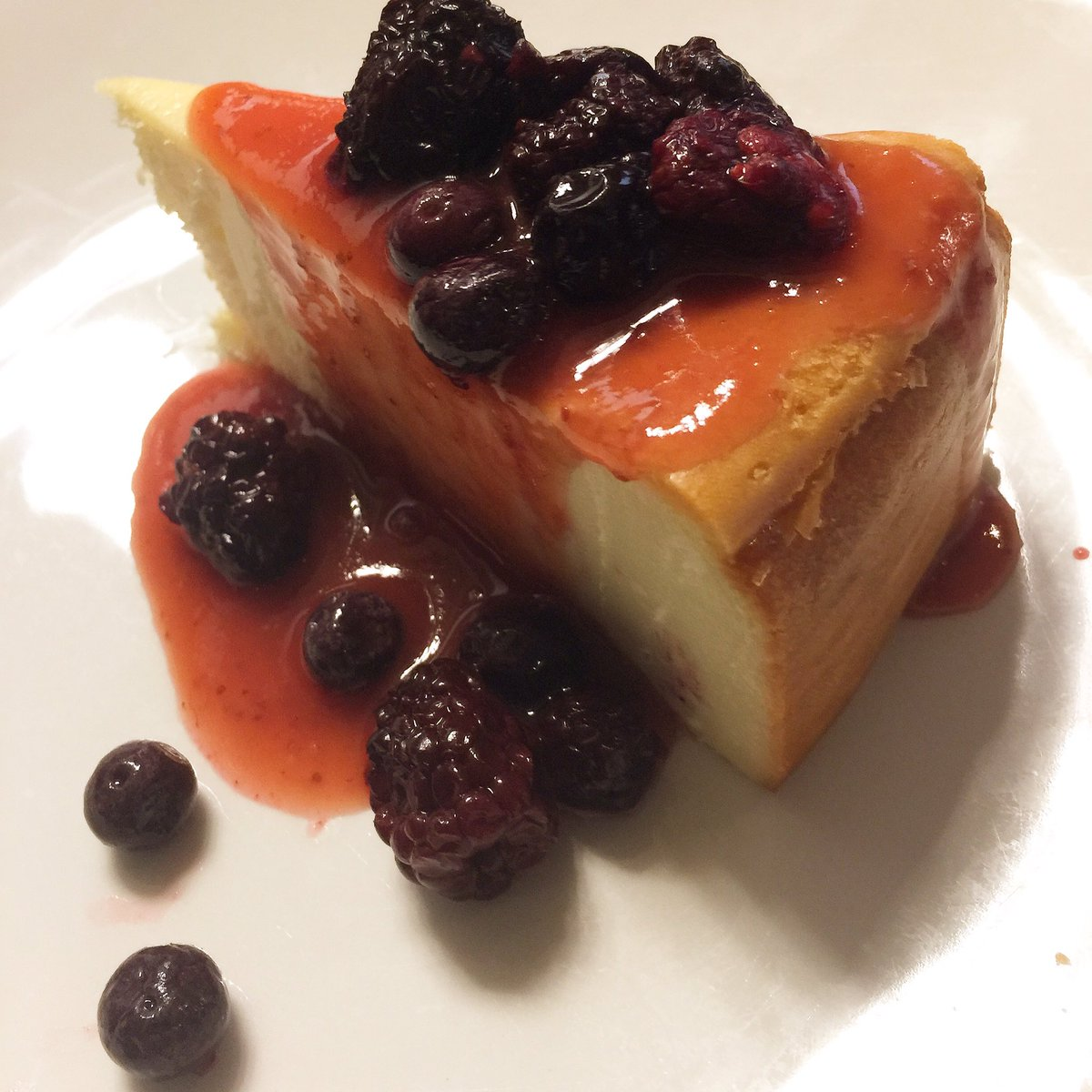 I love cheesecake!!! Yummy! Delicious and awesome! #cake #food #recipe #yummy #delicious #like4like #likeforfollow #instafood #instadaily<br>http://pic.twitter.com/aKhGMVG9EZ