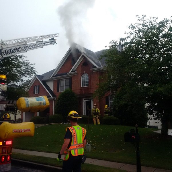 Lightning strike causes fire, smoke & water damage to Gwinnett Co. home. Residents got out of the Finsbury Park Court house safely. #Fox5ATL