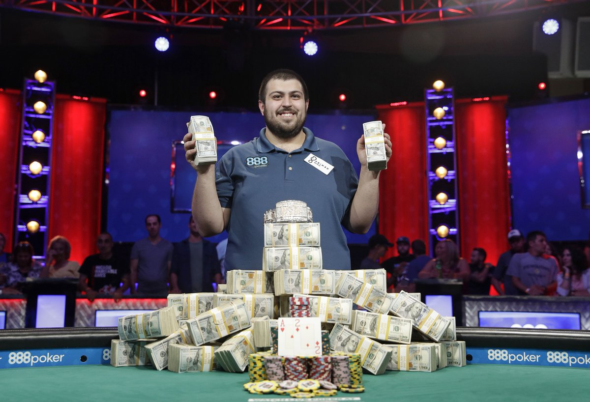 Scott Blumstein, a 25-year-old with an accounting degree, won the World Series of Poker and $8.1 million https://t.co/QM7X9kecHE
