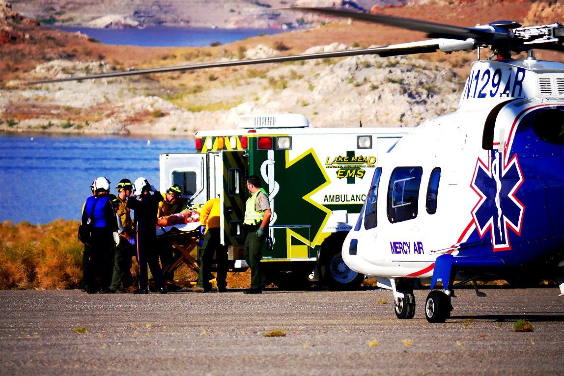 #BREAKING Seven injured after two-vehicle crash in Lake Mead National Recreation Area https://t.co/iF9lRL8Hw6
