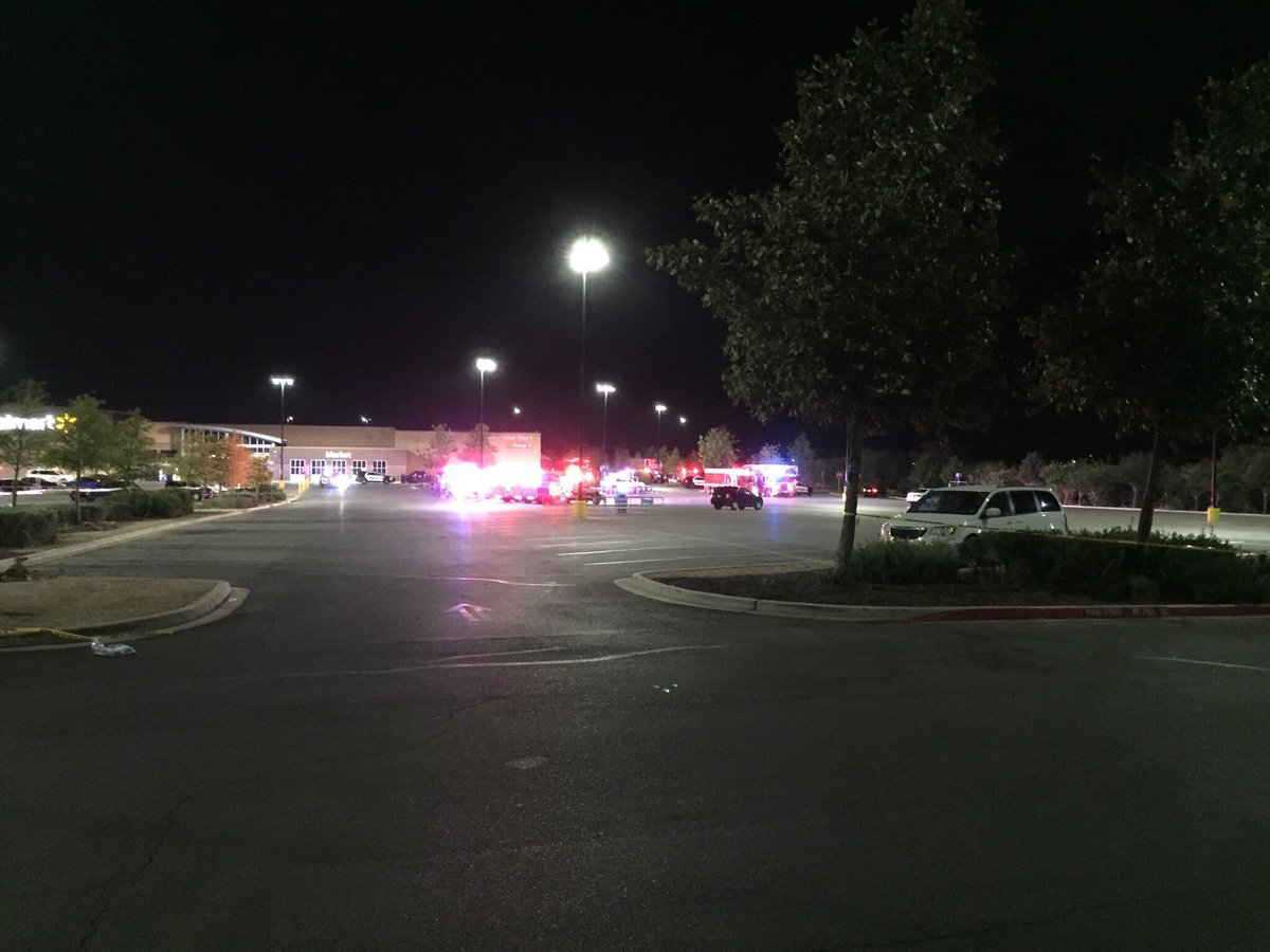 8 dead, 20 in critically state after being found locked in semi trailer at a Walmart car park in San Antonio, Texas (oic credit @JoLoKENS5)