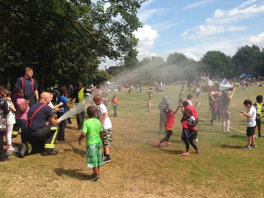 #Islington Playday Is Taking Place On Aug 2 In Paradise Park With Fun And  Games For All The Family: Http://socsi.in/RlZ66  @IslingtonPlaypic.twitter.com/ ...