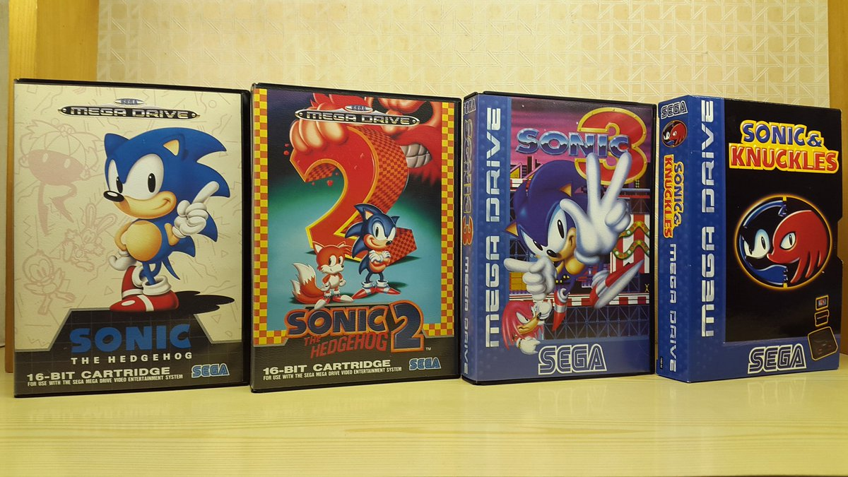 For #CIBSunday, I present the original Sonic the Hedgehog trilogy (+1 in attached tweet). #SEGA #MegaDrive #retrogaming<br>http://pic.twitter.com/A9sXKcTTLp