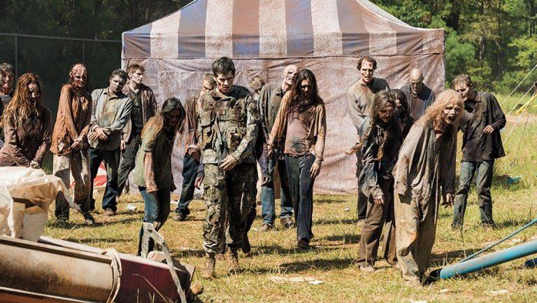 """The Walking Dead's Comic-Con Deadquarters is a superfan's dream."" - @THR...  http://www. hollywoodreporter.com.convey.pro/l/QezMZKq     by #WalkingDead_AMC via @c0nveypic.twitter.com/FvxZhqTdtg"