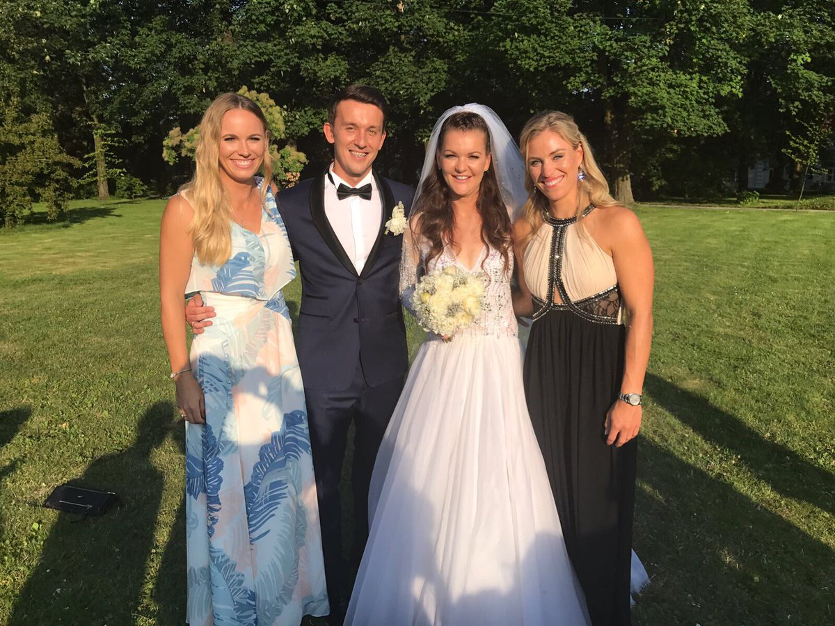 When one of your dearest and oldest friends gets married, it&#39;s time to celebrate!What an amazing and beautiful couple! @ARadwanska  #wedding <br>http://pic.twitter.com/GSNhTCFE1y