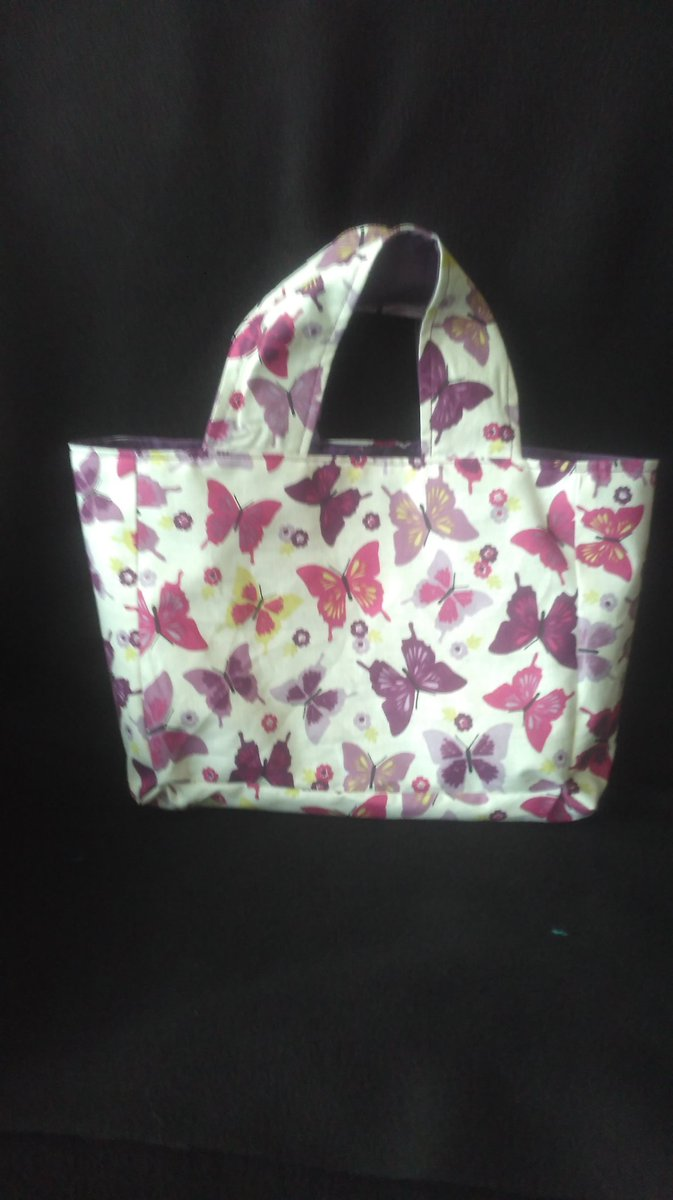 Cute little bag,a lovely butterfly pattern.Handmade by us here at Amelia&#39;s Grotto #cute #butterflies #handmade #forsale #ameliasgrotto<br>http://pic.twitter.com/gjmtYays9N