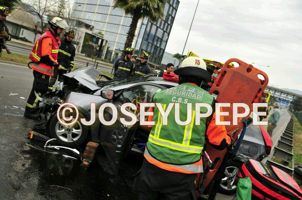 RT @JoseYupepe El @cbsantiago trabaja en Colisión con 1 lesionado Kennedy/Las Tranqueras #vitacura @reddeemergencia @alegriagonzaa