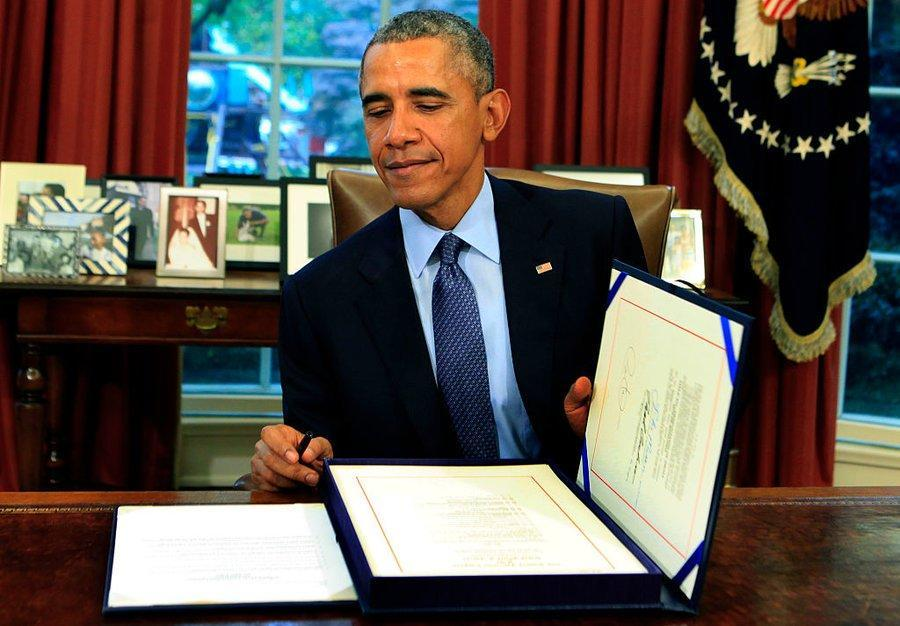 In one of his final acts as President, #BarackObama signed a law protecting Atheists. Will Trump reverse it?   http:// bit.ly/2uTYF5C  &nbsp;  <br>http://pic.twitter.com/vej0xGISuf